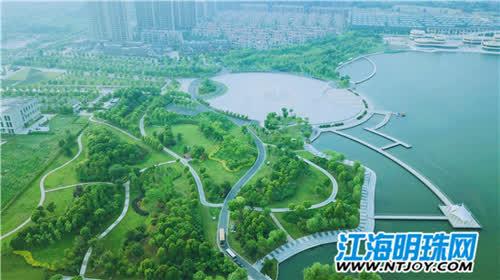 采访团还游览了如皋龙游湖风景区,南通濠河风景区.