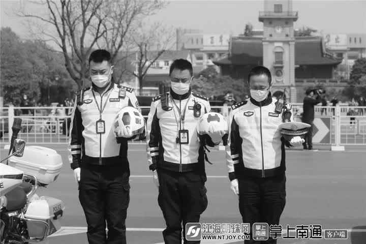 為表達全國各族人民對抗擊新冠肺炎疫情斗爭犧牲烈士和逝世同胞的深切哀悼,國務院發布公告今天舉行全國性哀悼活動。